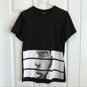 Tops - Printed graphics shirts Size M